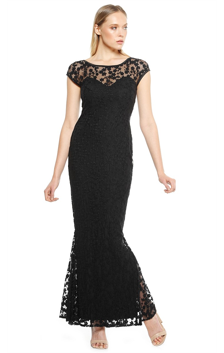 PRUNELLA  CAP SLEEVE SWEETHEART NECK LACE FISHTAIL FORMAL DRESS IN BLACK