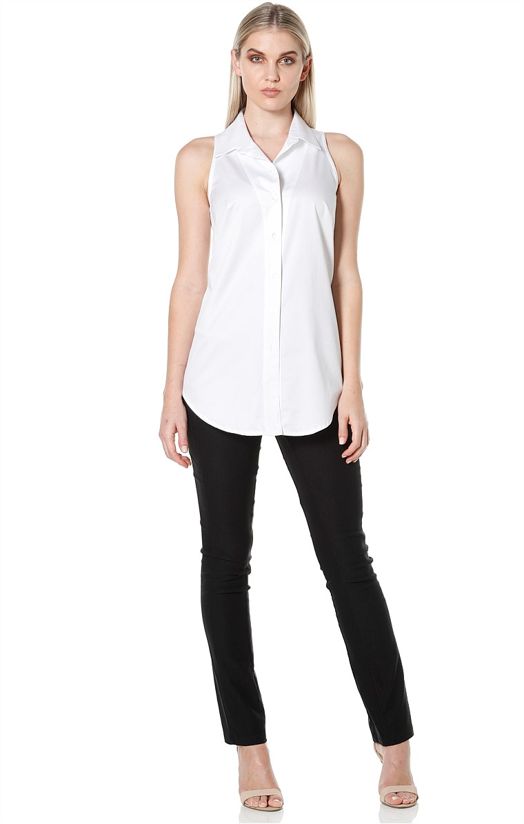 LILY SLEEVELESS CUT AWAY BUTTON DOWN COLLARED SHIRT IN WHITE