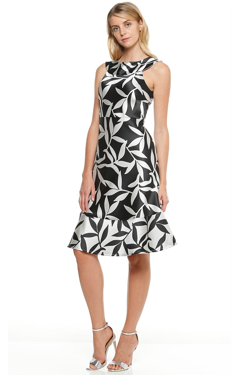 BIRD OF PARADISE JACQUARD SLEEVELESS FIT AND FLARE DRESS IN SILVER BLACK LEAF PRINT