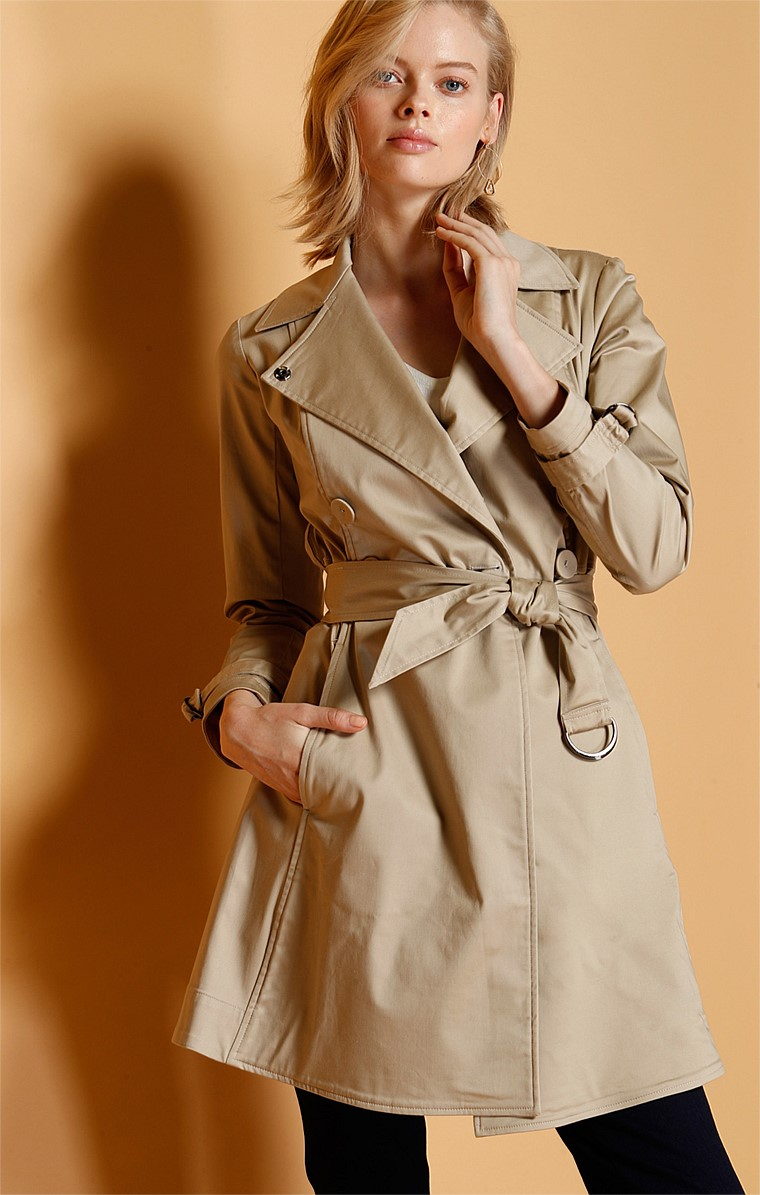 CLASSIC COLLARED BUTTON A-LINE TRENCH COAT IN SAND