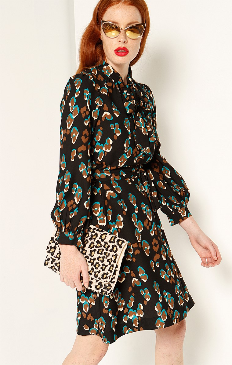 COLLINS BELL SLEEVE TIE NECK SHIFT DRESS IN LEOPARD PRINT
