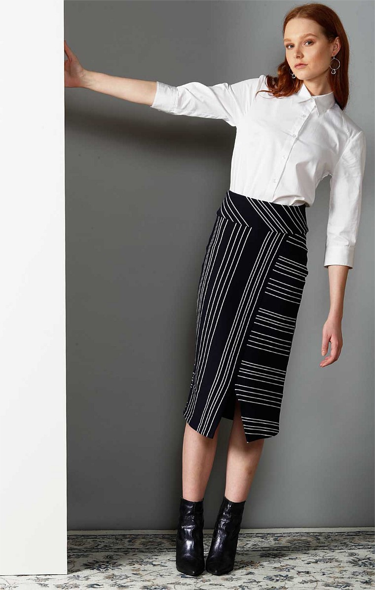 WHITELY REVERSIBLE STRIPED FITTED PENCIL SKIRT WITH SPLIT IN NAVY WHITE