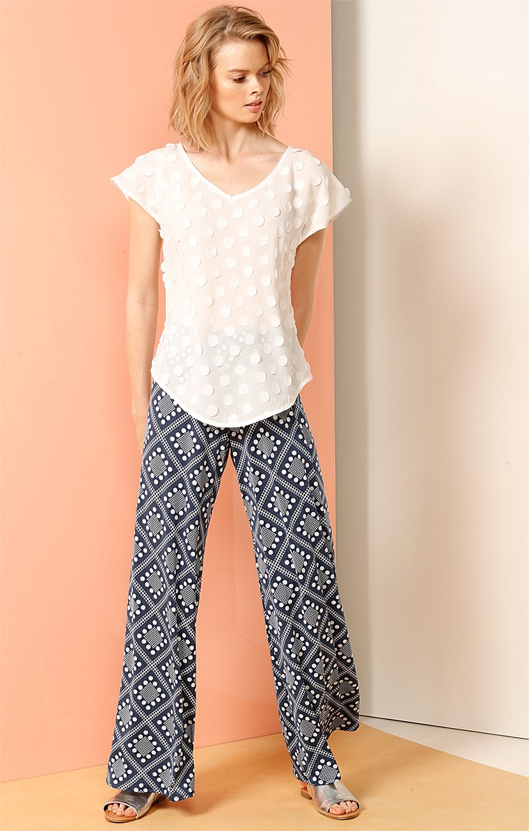 SEAMLESS STRETCH JERSEY WIDE LEG PANT IN NAVY IVORY DOTS PRINT