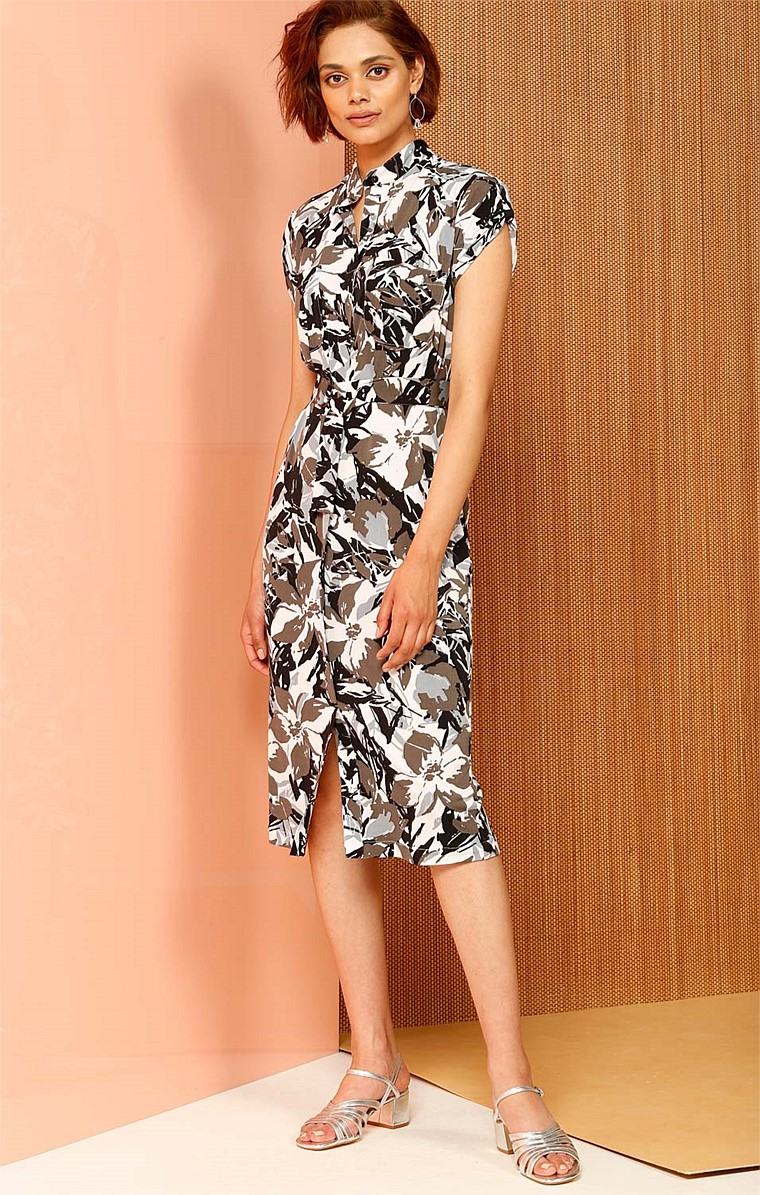 MERCER CAP SLEEVE LOOSE FIT STRETCH JERSEY SHIRTMAKER DRESS WITH POCKETS IN FLORAL CAMEO PRINT