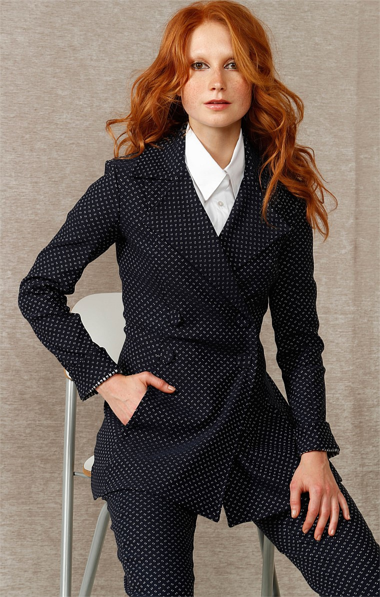 ALEX LONG SLEEVE STRETCH WOVEN JACQUARD COLLARED A-LINE JACKET IN NAVY IVORY SPOT