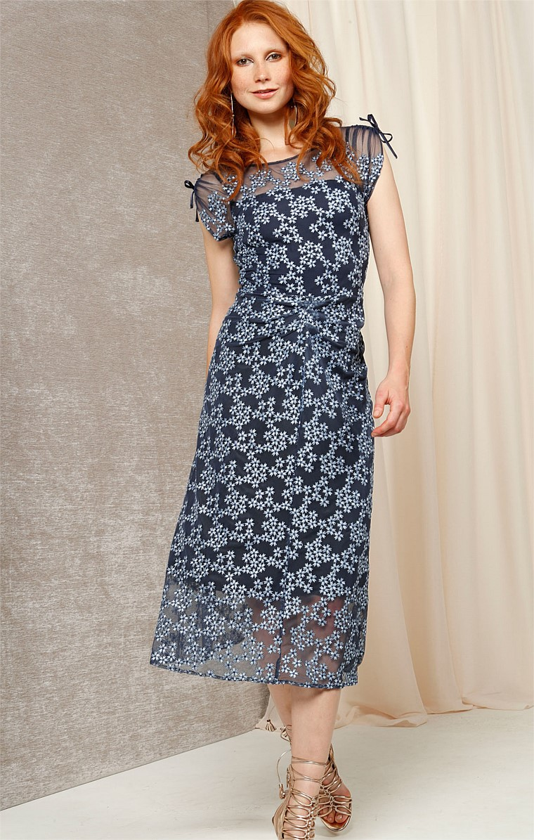 JACKLIN EMBROIDERED MESH ADJUSTABLE SLEEVE COCKTAIL PARTY DRESS IN BLUE FLOWER