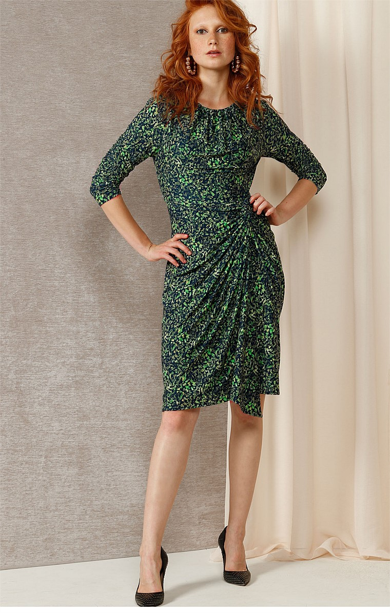 MISSY 3/4 SLEEVE BOAT-NECK KNEE-LENGTH DRESS IN GREEN NAVY ABSTRACT PRINT