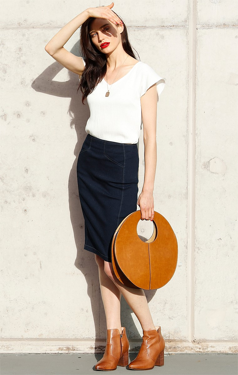 DENIM FITTED KNEE LENGTH PENCIL SKIRT WITH POCKETS IN INDIGO