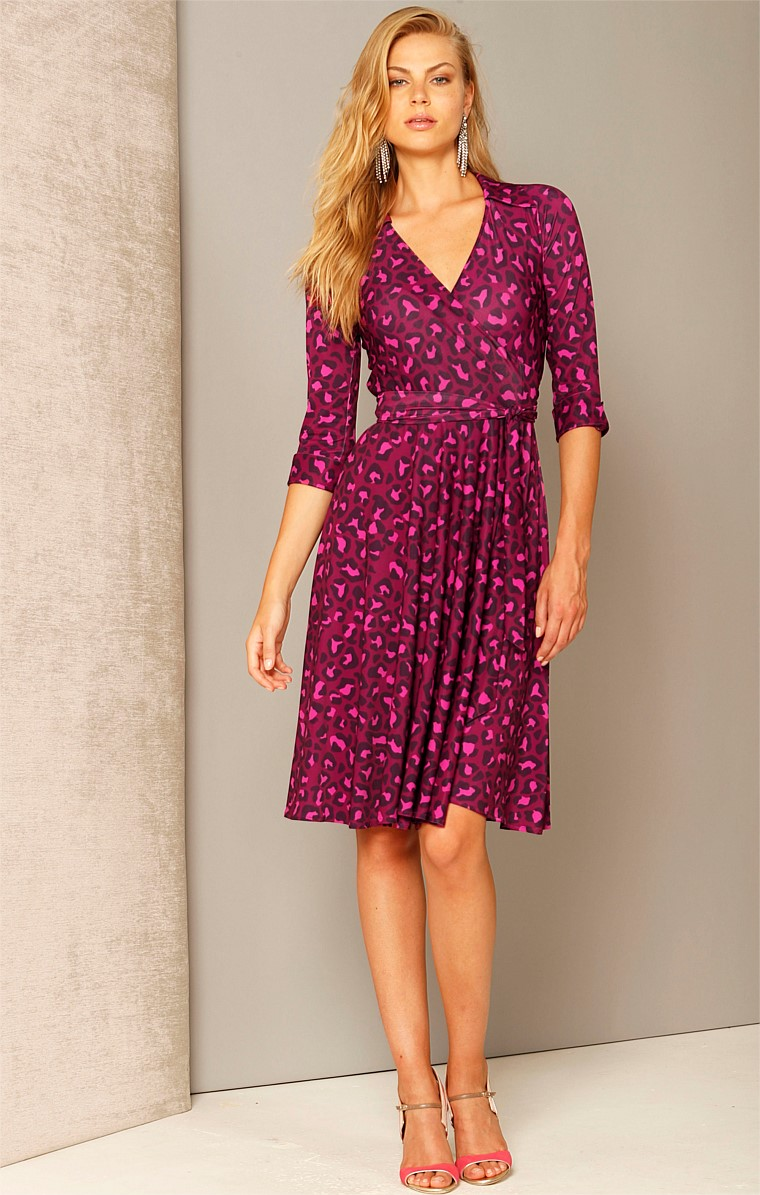 START ME UP STRETCH JERSEY V-NECK KNEE LENGTH WRAP DRESS WITH FULL SKIRT IN MULBERRY LEOPARD PRINT