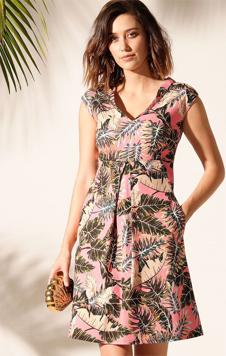 ARCHIPELAGO TEXTURED COTTON CAP SLEEVE V-NECK KNEE-LENGTH DRESS WITH POCKETS IN PINK LEAF PRINT