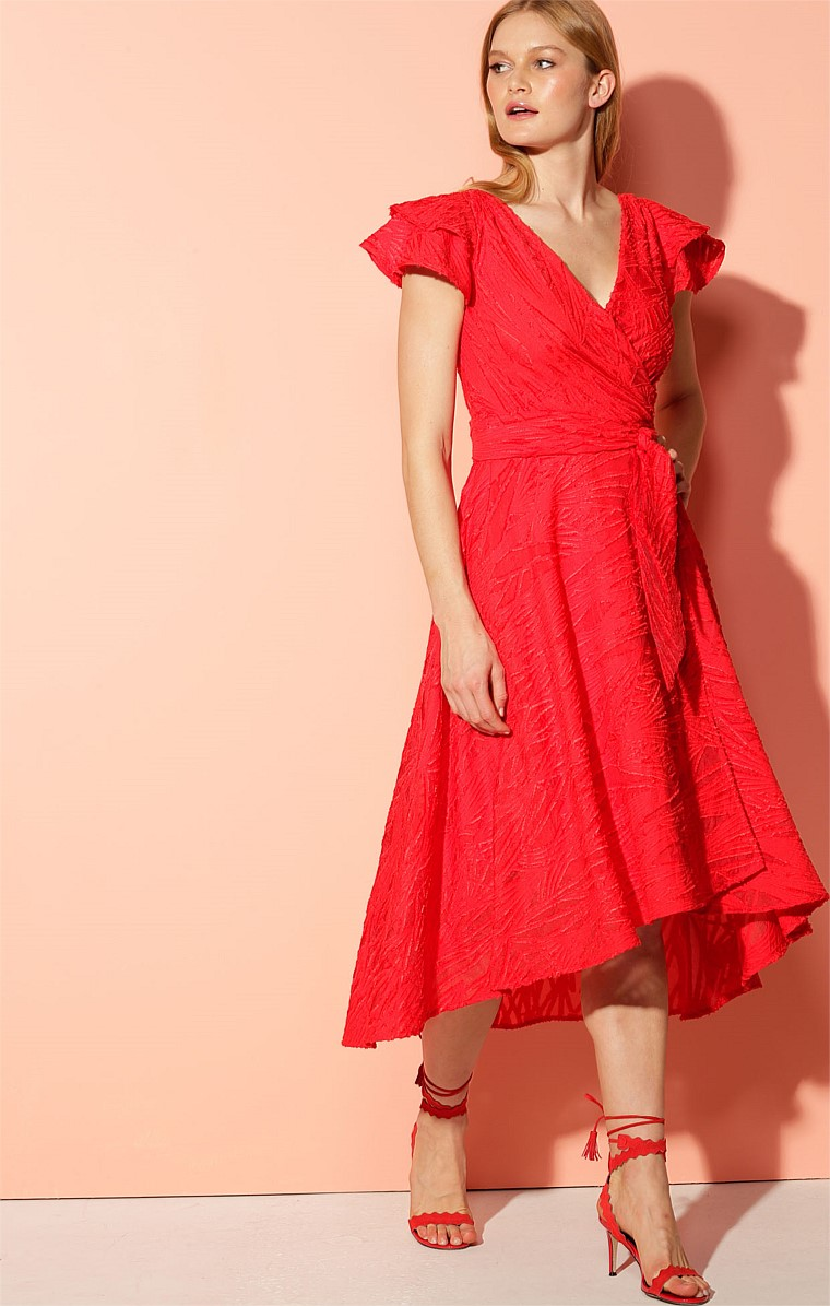 SYRACUSE V-NECK TIERED CAP SLEEVE A-LINE WRAP MIDI DRESS IN RED