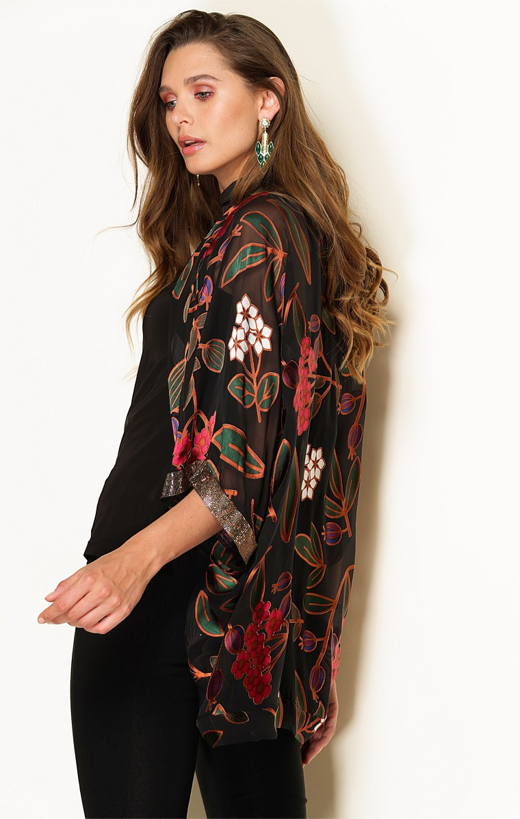 COURTESAN 3/4 SLEEVE LOOSE FIT SILK KIMONO IN ORIENTAL FLORAL
