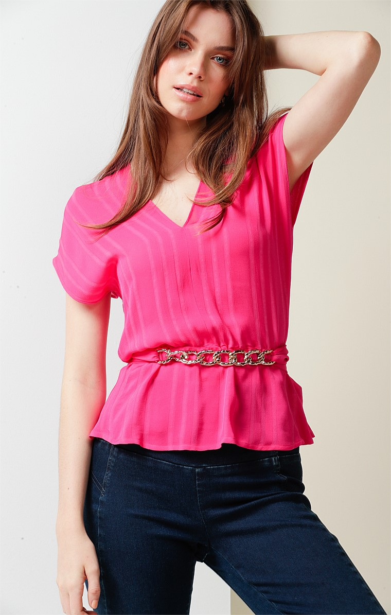 COLETTE LOOSE FIT CAP SLEEVE V-NECK TOP IN PINK SELF STRIPE