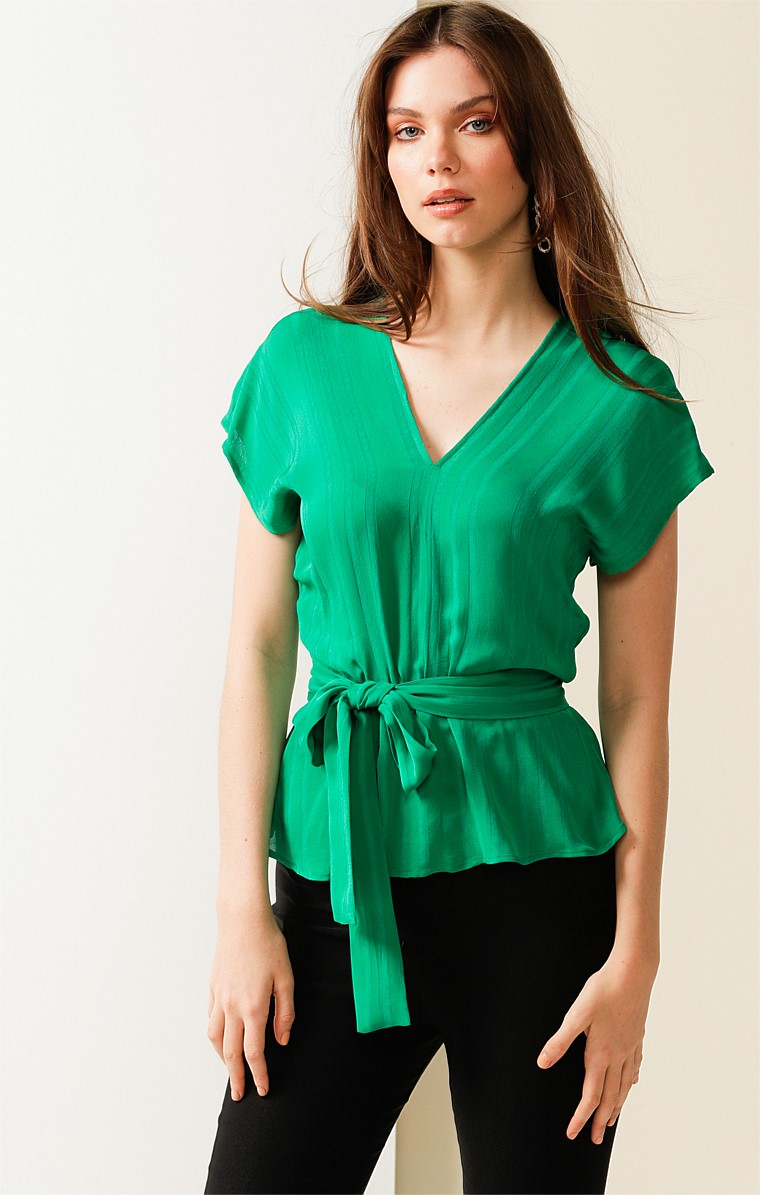 COLETTE LOOSE FIT CAP SLEEVE V-NECK TOP IN GREEN SELF STRIPE