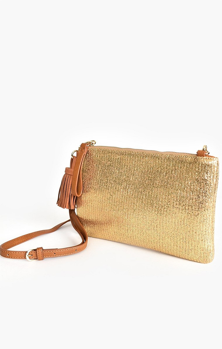 METALLIC WEAVE TASSEL CROSS BODY BAG IN GOLD