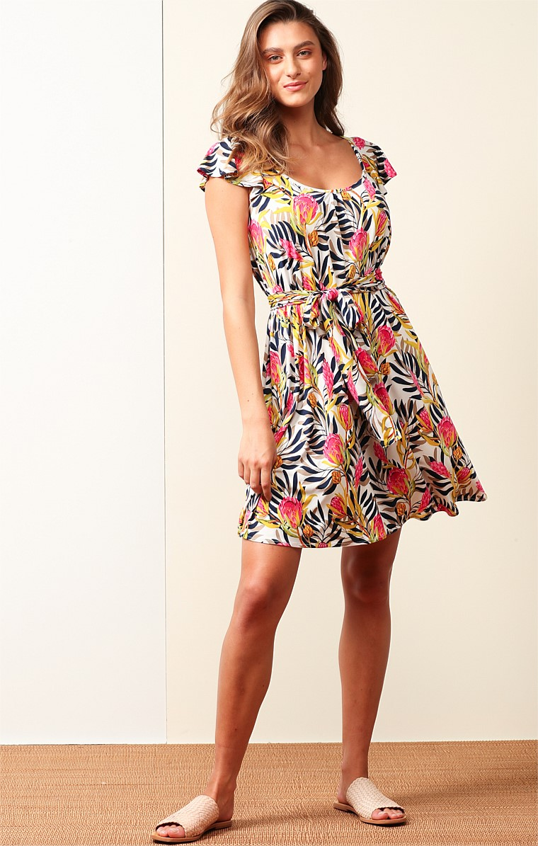 GREAT KEPPEL STRETCH JERSEY LOOSE-FIT CAP SLEEVE KNEE LENGTH DRESS IN PINK WHITE BANKSIA PRINT