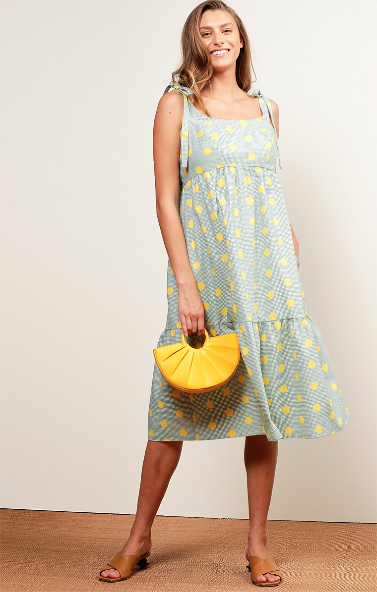 CALOUNDRA SQUARE-NECK SLEEVELESS ADJUSTABLE STRAP A-LINE MIDI DRESS IN GREEN LEMON SPOT