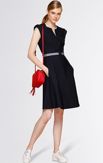FIT AND FLARE BELTED KNEE LENGTH A-LINE DRESS IN NAVY