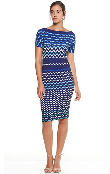 BLUE LINES STRETCH JERSEY CAP SLEEVE DRESS DRESS IN ZIG ZAG PRINT