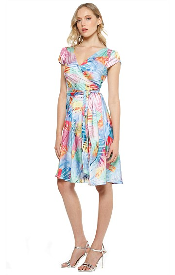 DE ARMAS CAP SLEEVE A-LINE WRAP DRESS IN MULTI LEAF PRINT