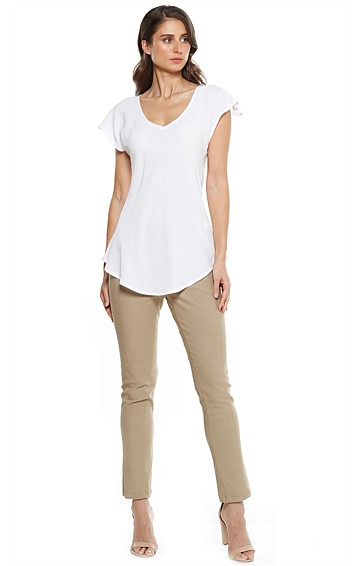 ANALIA LOOSE FIT V-NECK CAP SLEEVE BLOUSE TOP IN WHITE