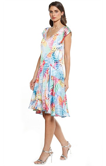 ANA DROP WAIST LOOSE FIT CAP SLEEVE A-LINE DRESS IN MULTI LEAF PRINT