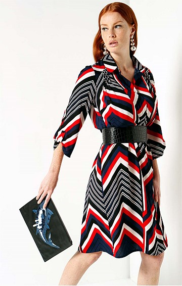RILEY 3/4 SLEEVE LOOSE FIT COLLARED SHIRT DRESS IN RED NAVY ZIP ZAG PRINT