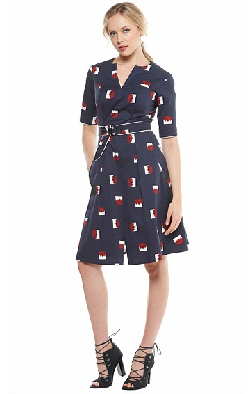 RIMMINGTON 3/4 SLEEVE COTTON FIT AND FLARE PLEATED A-LINE DRESS IN RED NAVY ABSTRACT PRINT