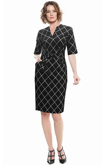 DAVIS FITTED BELTED 3/4 SLEEVE DRESS IN BLACK WHITE CHECK PRINT