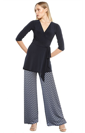 SEAMLESS STRETCH JERSEY WIDE LEG PANT IN NAVY WHITE PRINT