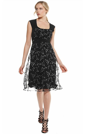 ROGERS SCOOP NECK A-LINE COCKTAIL LACE JERSEY DRESS IN BLACK WHITE FLORAL EMBROIDERED MESH