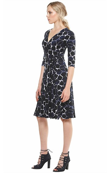 CHRISTIE REVERSIBLE WRAP 3/4 SLEEVE FULL SKIRT KNEE LENGTH JERSEY DRESS IN NAVY BLACK DIAMOND PRINT