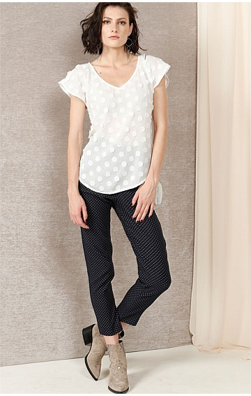 VAUX SPOT V-NECK CAP SLEEVE BLOUSE TOP IN WHITE 3D SPOT