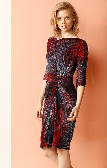 ANN GATHERED KNOT WAIST 3/4 SLEEVE JERSEY DRESS IN BURGUNDY CROSSHATCH PRINT
