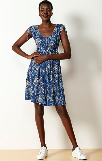 CAP COT ADJUSTABLE CAP SLEEVE STRETCH JERSEY DRESS IN BLUE ABSTRACT PRINT