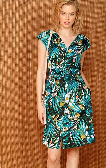 TAVERN ON THE GREEN COTTON V-NECK CAP SLEEVE DRESS IN JADE LEAF PRINT