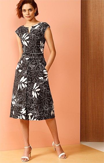 POCKETS A-LINE FIT AND FLARE KNEE LENGTH DRESS IN CHARCOAL IVORY LEAF PRINT