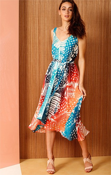 AMAZON SILK LOOSE FIT V-NECK MIDI A-LINE DRESS IN BLUE AQUA RUST PRINT