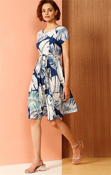 KAA CAP SLEEVE STRETCH JERSEY SHIFT DRESS IN BLUE JUNGLE PRINT