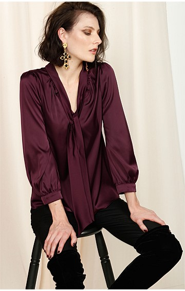HATCHIE BISHOP SLEEVE TIE NECK LOOSE FIT BLOUSE IN BLACK CHERRY