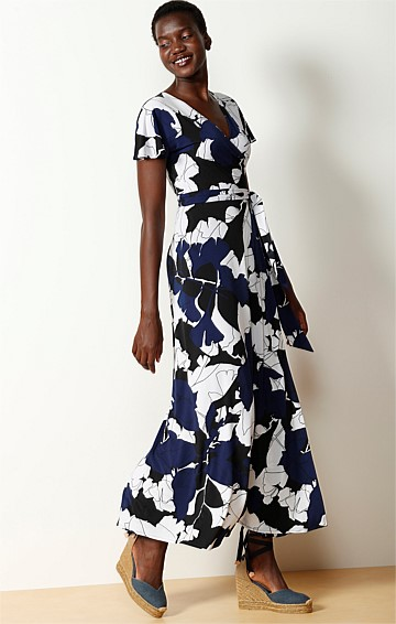 DAENERYS PRINTED CAP SLEEVE V-NECK MAXI WRAP DRESS IN BLACK NAVY ABSTRACT