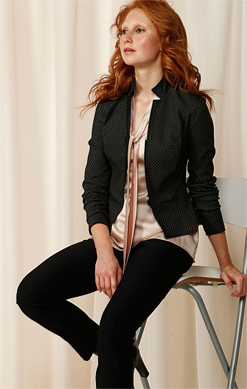 DEBORAH ZIP FRONT PATTERNED STRETCH JACKET IN OLIVE JACQUARD