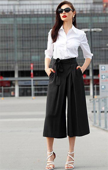 CULOTTE WIDE LEG PLEATED PANT WITH POCKETS IN BLACK