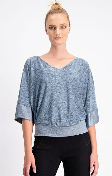 KIMONO SLEEVE LOOSE FIT STRETCH V-NECK TOP IN SILVER BLUE