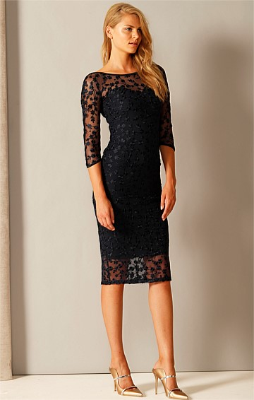 PRIMROSE 3/4 SLEEVE FITTED SWEETHEART EMBROIDERED LACE DRESS IN NAVY LACE