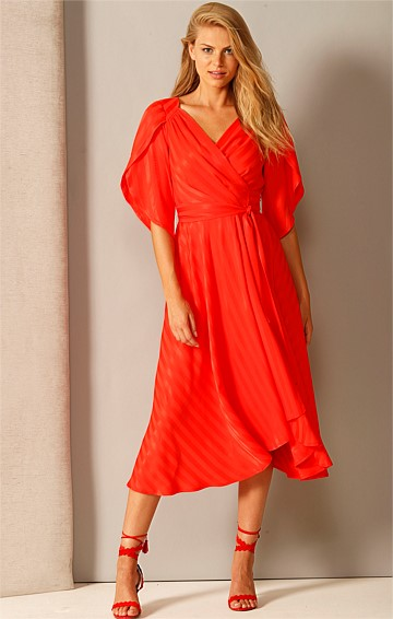 BRING THE HEAT V-NECK A-LINE SPLIT SLEEVE MIDI WRAP DRESS IN RED SELF STRIPE