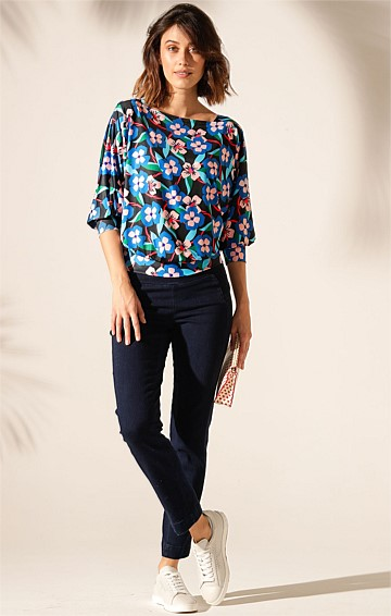 BERTIE REVERSIBLE 3/4 LOOSE FIT BATWING SLEEVE STRETCH JERSEY TOP IN ABSTRACT PANSY PRINT