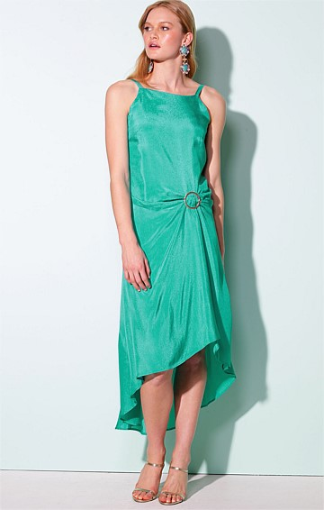 CAMPOS DE JORDAO SLEEVELESS BOAT-NECK HI-LO HEM SILK CREPE MIDI DRESS IN JADE