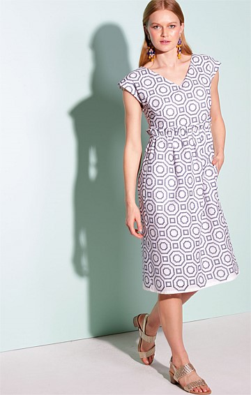 WEST INDIES COTTON EMBROIDERED CAP CLEEVE V-NECK KNEE-LENGTH DRESS IN BLUE WHITE GEO