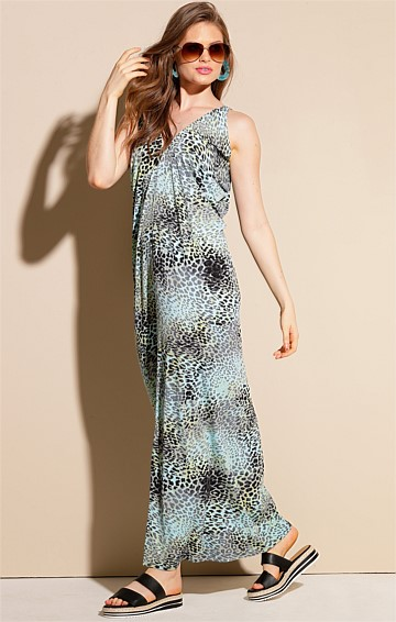 MEET THE CAPTAIN SLEEVELESS STRETCH JERSEY V-NECK FRONT SPLIT MAXI DRESS IN AQUA ANIMAL PRINT